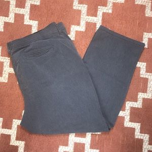 Gloria Vanderbilt 22W  striped cropped pants